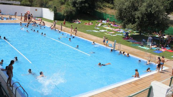 Not cies la piscina de la floresta ofereix aquesta tarda for Piscina sant cugat