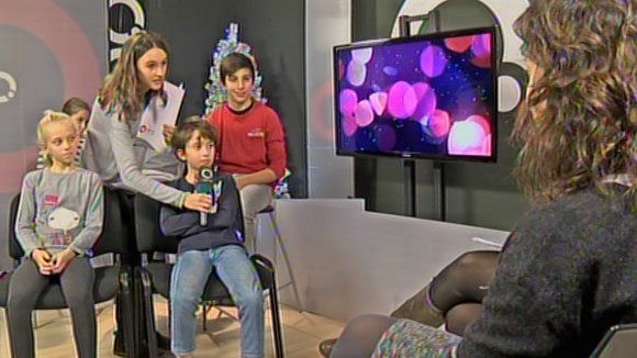 http://www.cugat.cat/fotos/imgtv/141224-entrevista_nens_alcaldessa.jpg