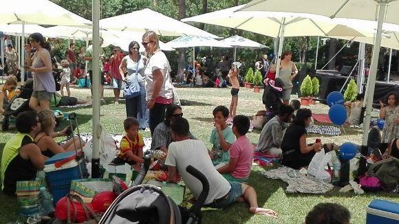 Més d'un centenar de persones desafien la calor a l'Estovallada de Festa Major