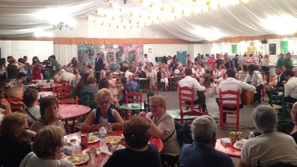 El CPA estrena ubicació per a la caseta de Festa Major, però manté l'esperit festiu intacte