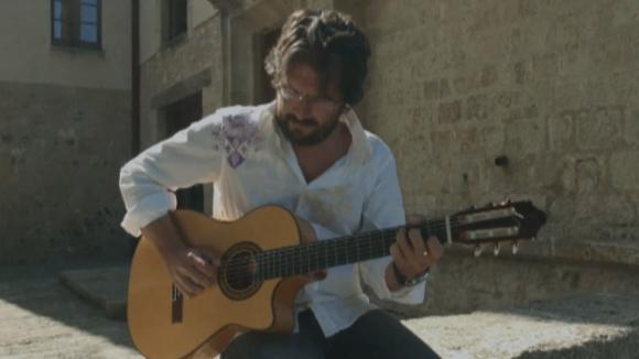 Oriol Saltor arriba al programa 'Clips' amb el tema 'Rumba americana'