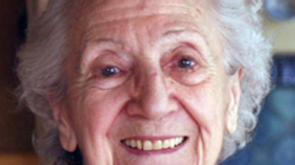 La poetessa santfeliuenca Joana Raspall celebra el seu centenari // Foto: Marc Vila