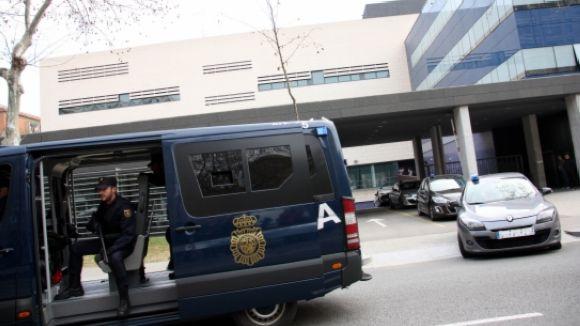 Registren una casa de Valldoreix en una operació internacional contra estafes a ciutadans xinesos