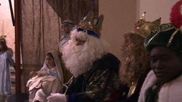 Els Reis Mags fan una crida a la pau mundial en la visita a Valldoreix